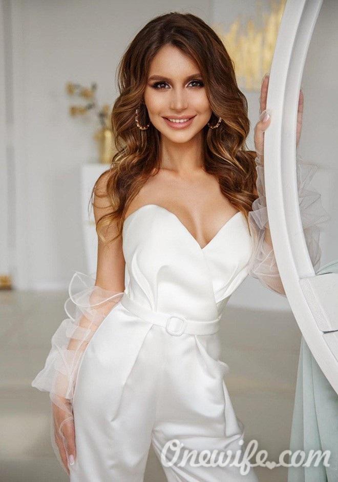 Russian bride Veronika from Kiev
