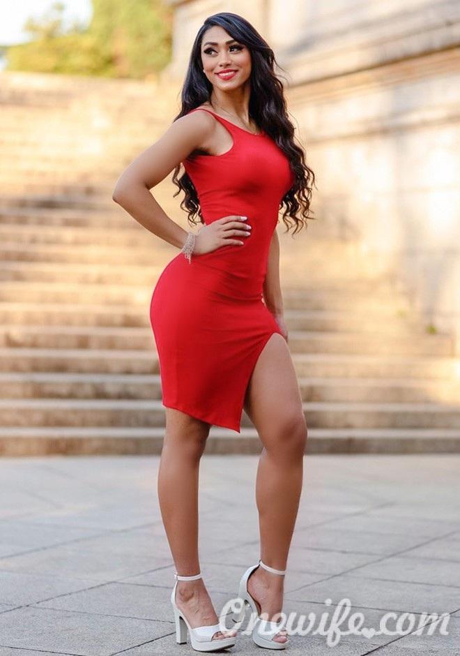 Single girl Ana Claudia 41 years old