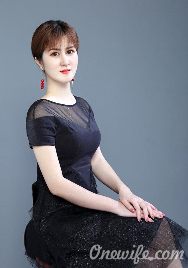 Russian bride Yufen from Nanning