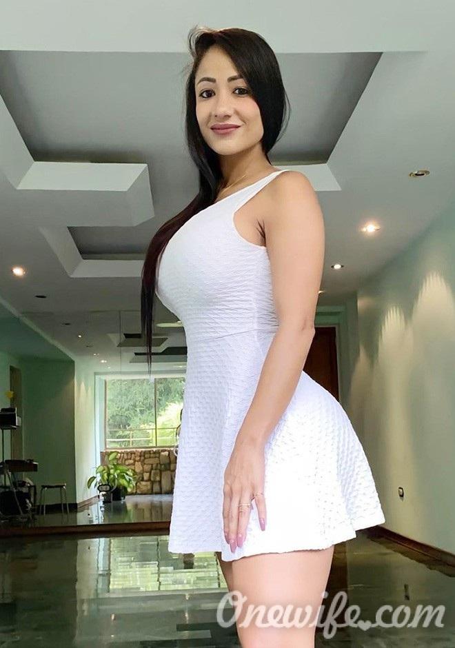 Single girl Vanessa 35 years old