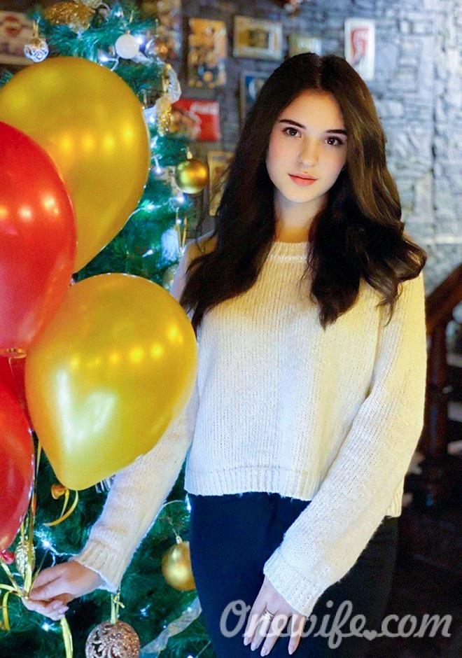 Single girl Sofia 23 years old