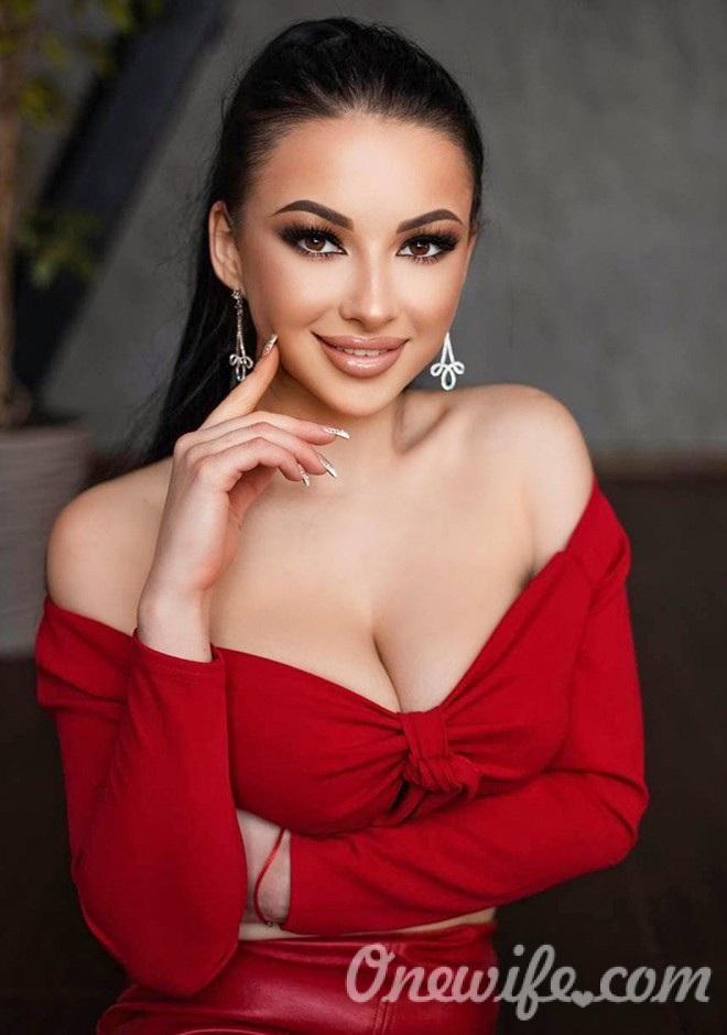Russian bride Veronika from Nikolaev