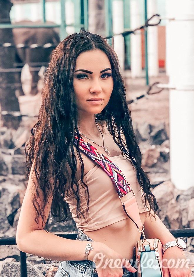 Russian bride Christina from Nikolaev