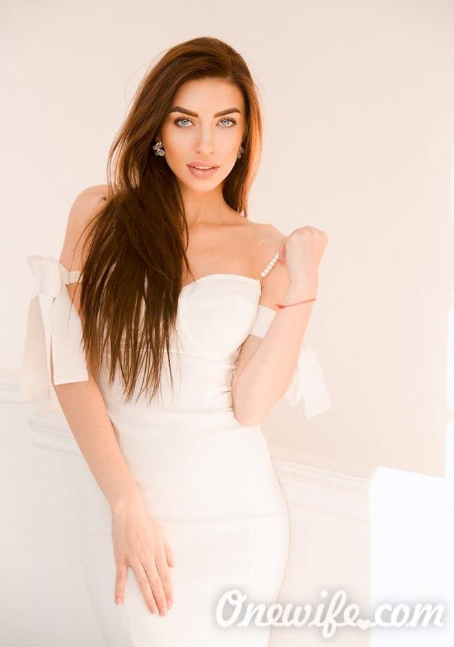 Russian bride Alyona from Kiev