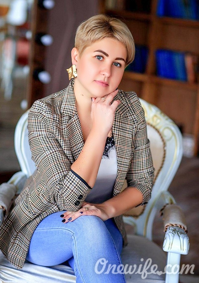 Russian bride Anna from Donetsk