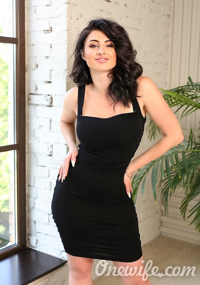 Single girl Kristina 28 years old