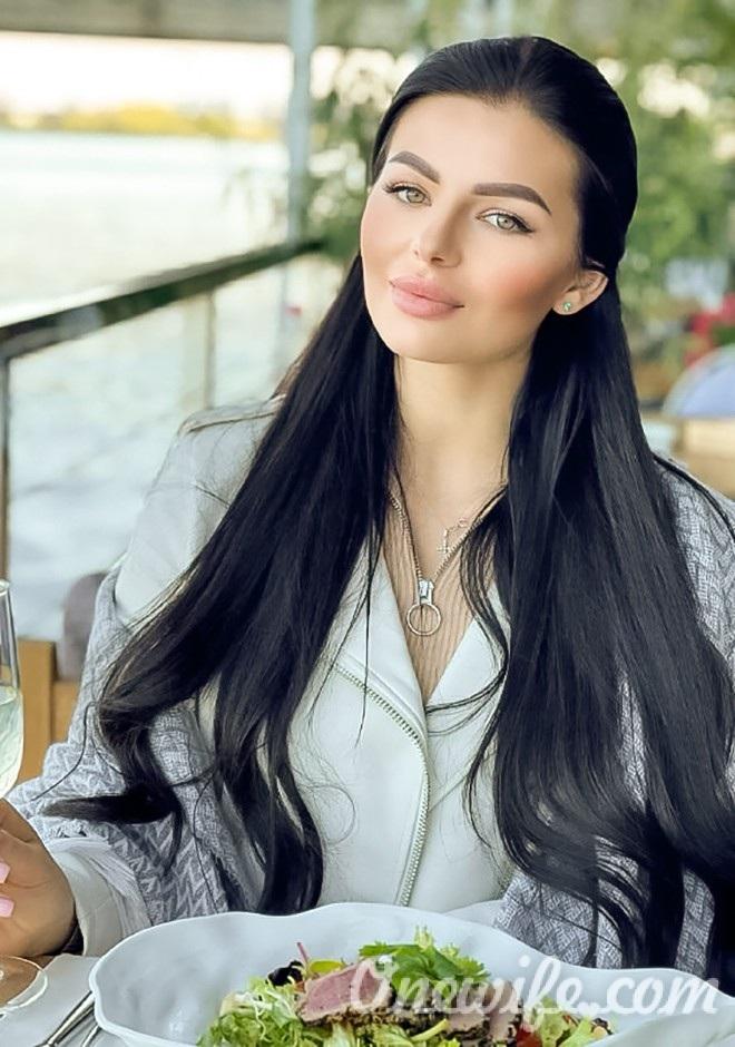 Russian bride Ruslana from Kiev